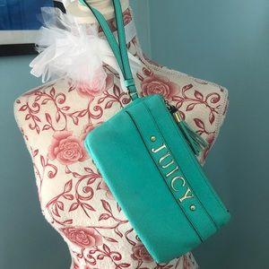 Juicy Couture 🎀 Teal Wristlet/Clutch